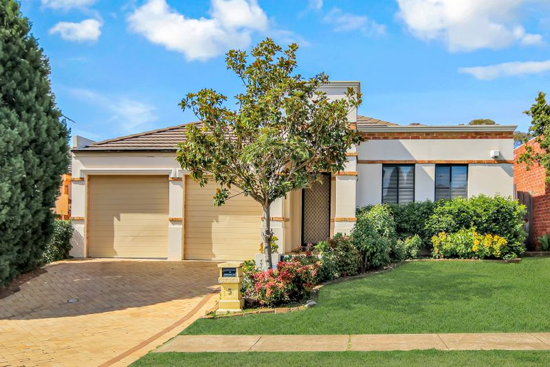 5 Gillabin Place, Plumpton NSW 2761-1