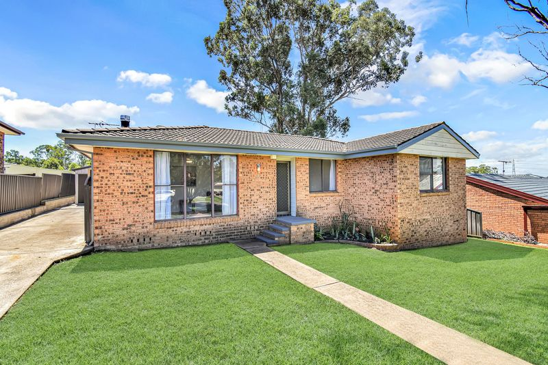 25 Warburton Crescent, Werrington County NSW 2747-1
