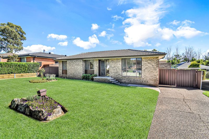 17 Warburton Crescent, Werrington County NSW 2747-1