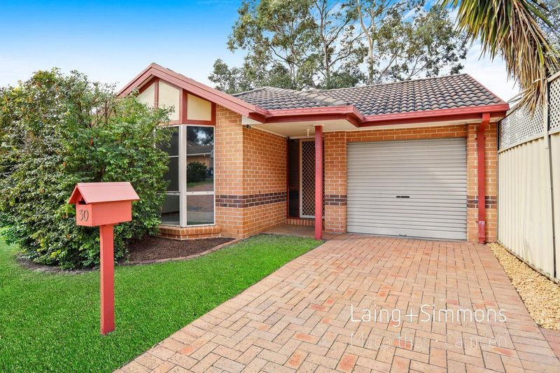 30 Manning Place, Currans Hill NSW 2567-1