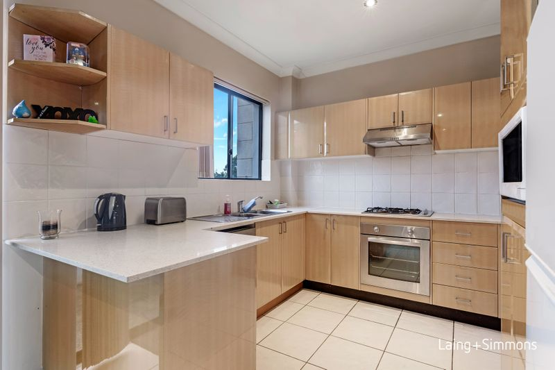 8/170 Bridge Road, Westmead NSW 2145-1
